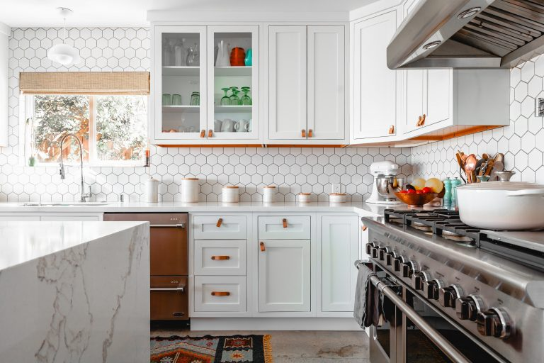 Read more about the article 9 Sustainable Kitchen Swaps for an Eco-Friendly House